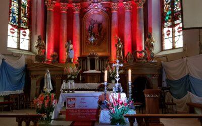 Adoracja Krzyża Świętego